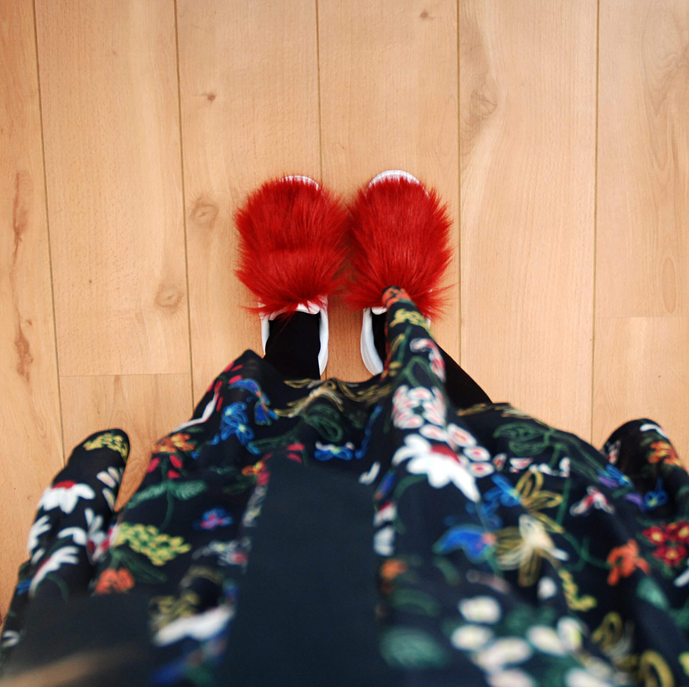 faux-fur-sneakers-diy