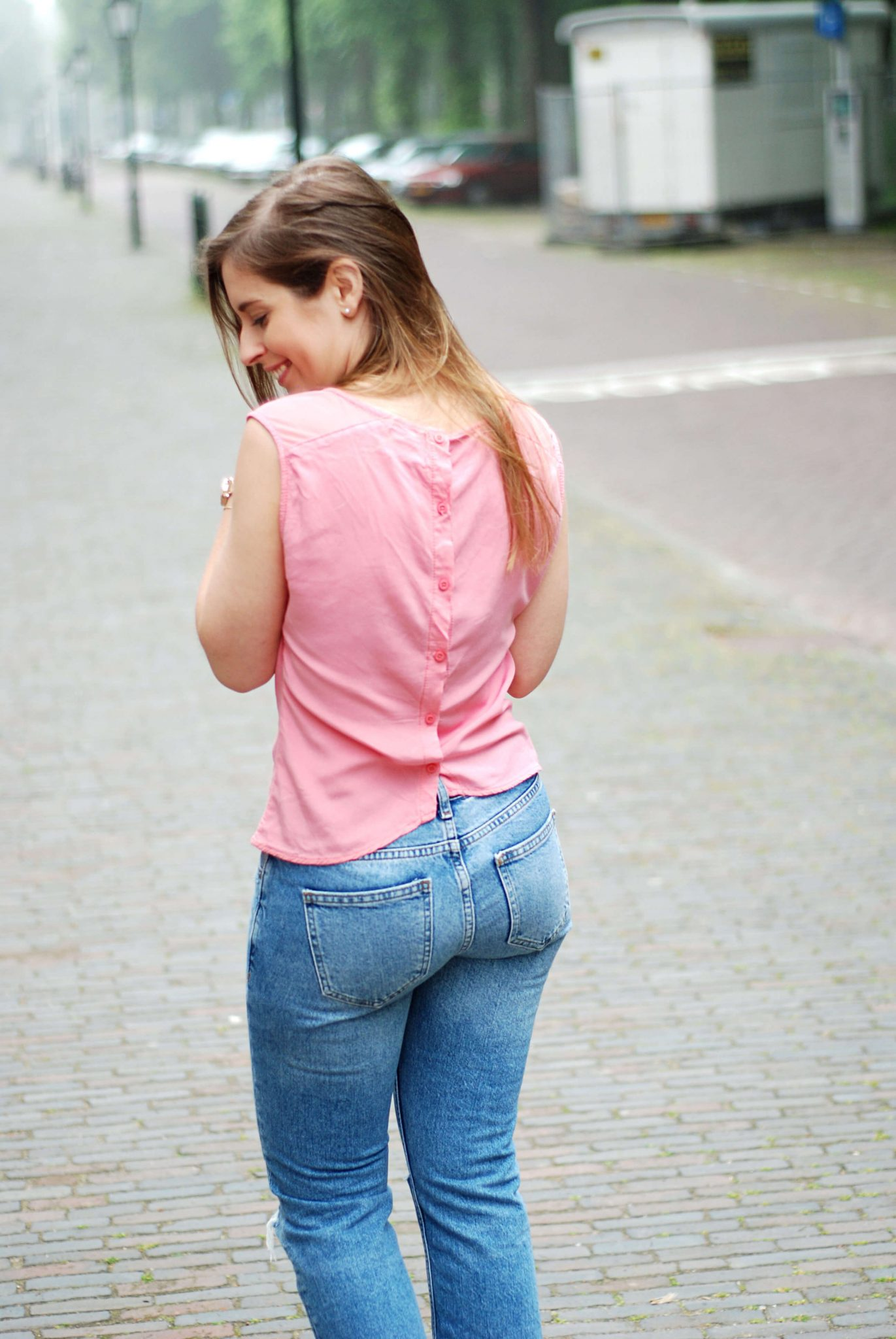 ripped-jeans-fashion