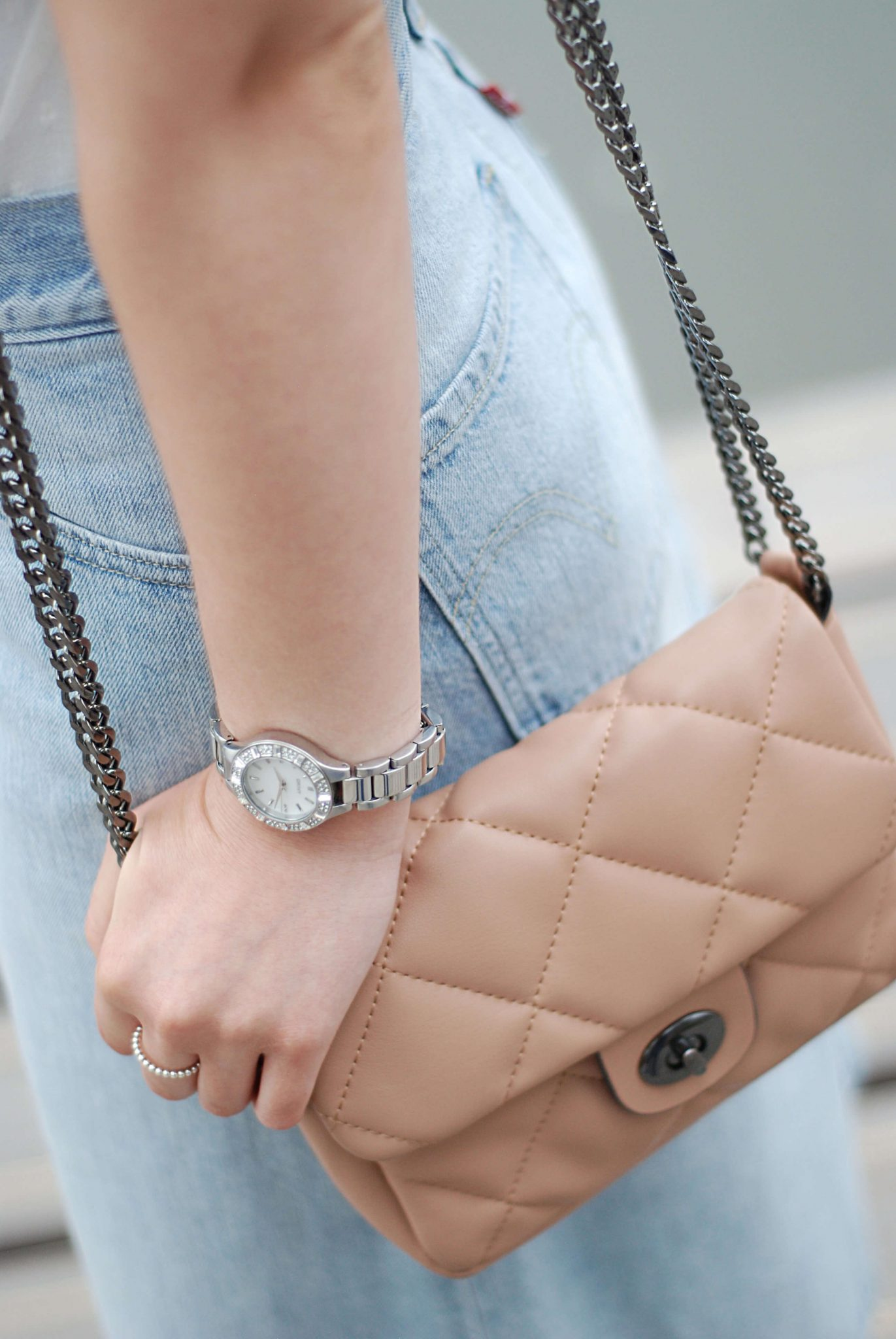 DKNY-watch-sell