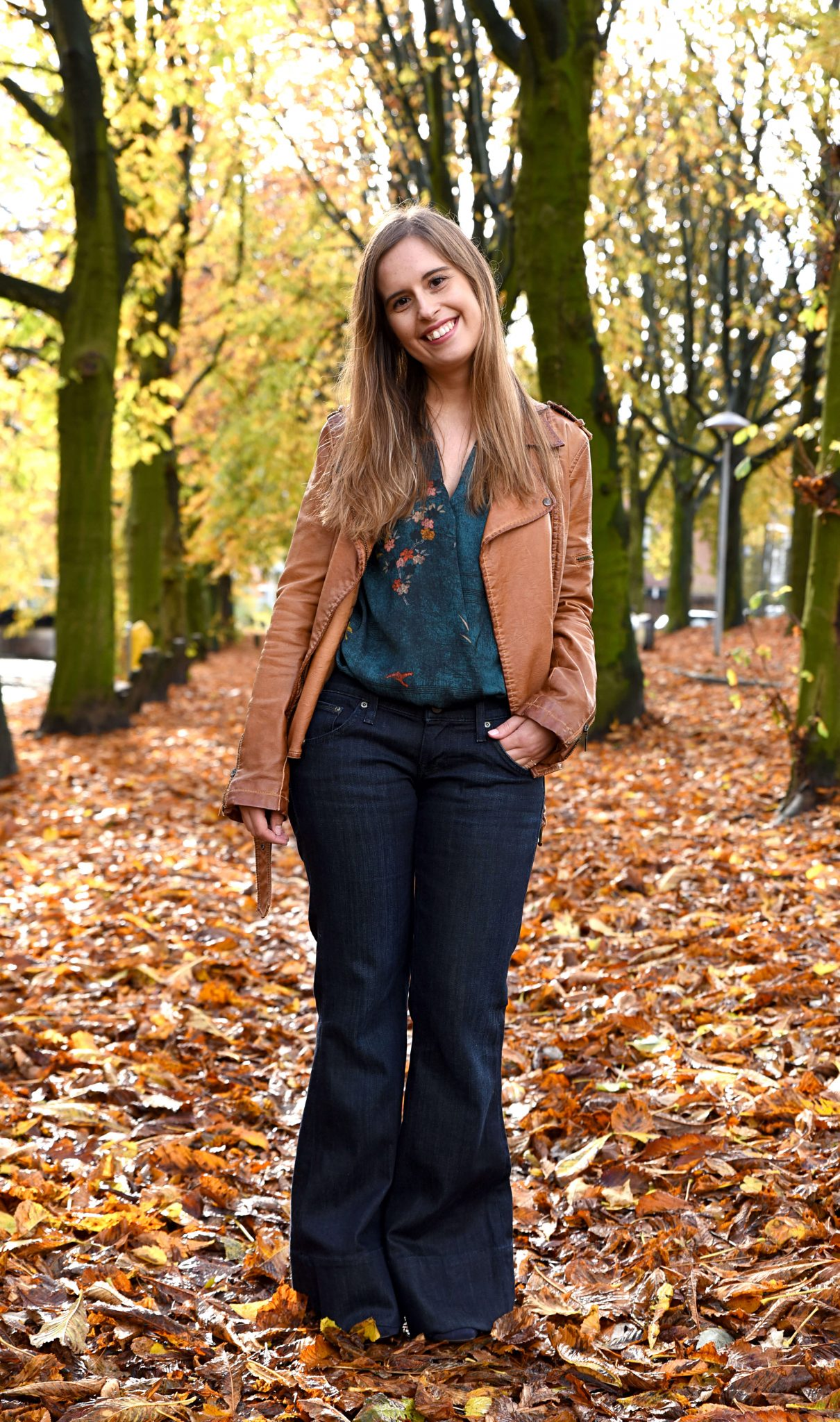 flared-jeans-for-fall