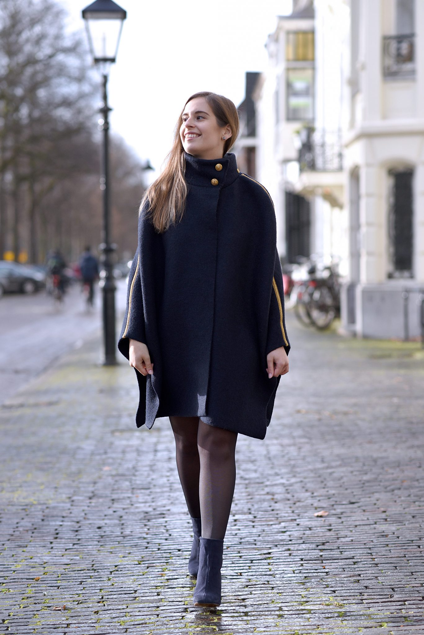 navy-cape-outfit-thepetitecat