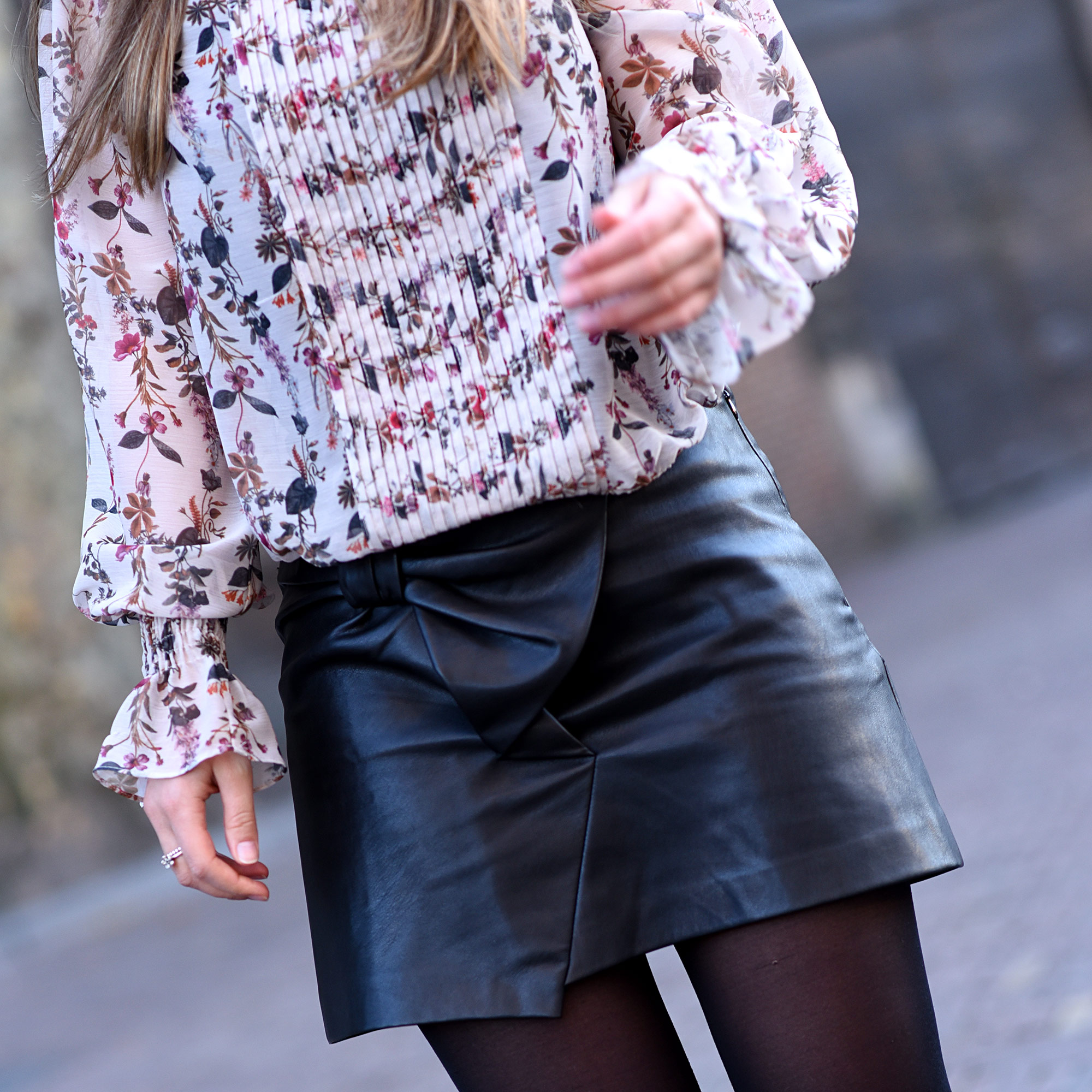 faux-leather-skirt-thepetitecat