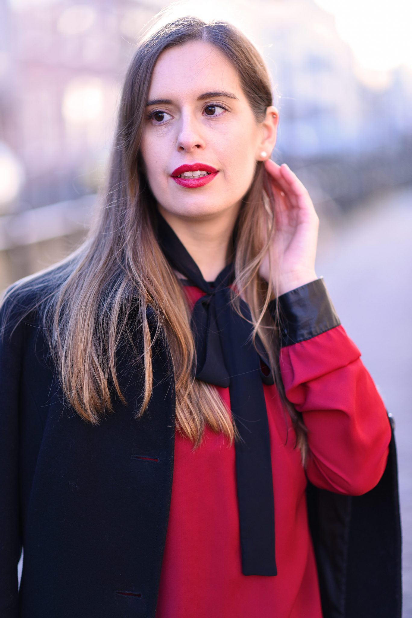 red-blouse-christmas-outfit-inspiration-thepetitecat