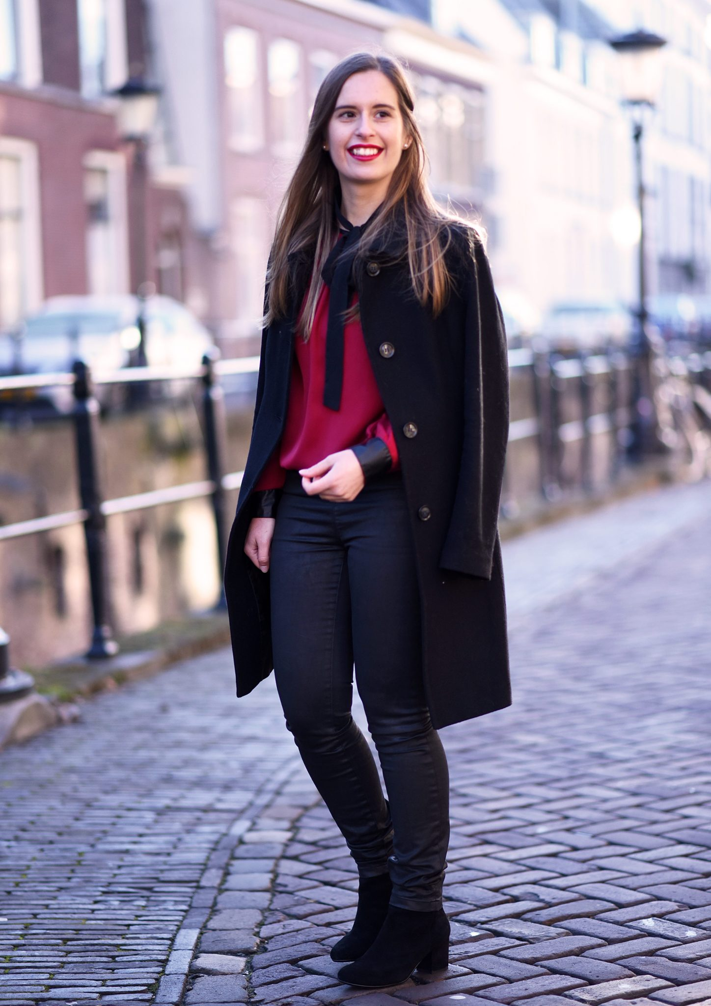 red-blouse-christmas-outfit-thepetitecat