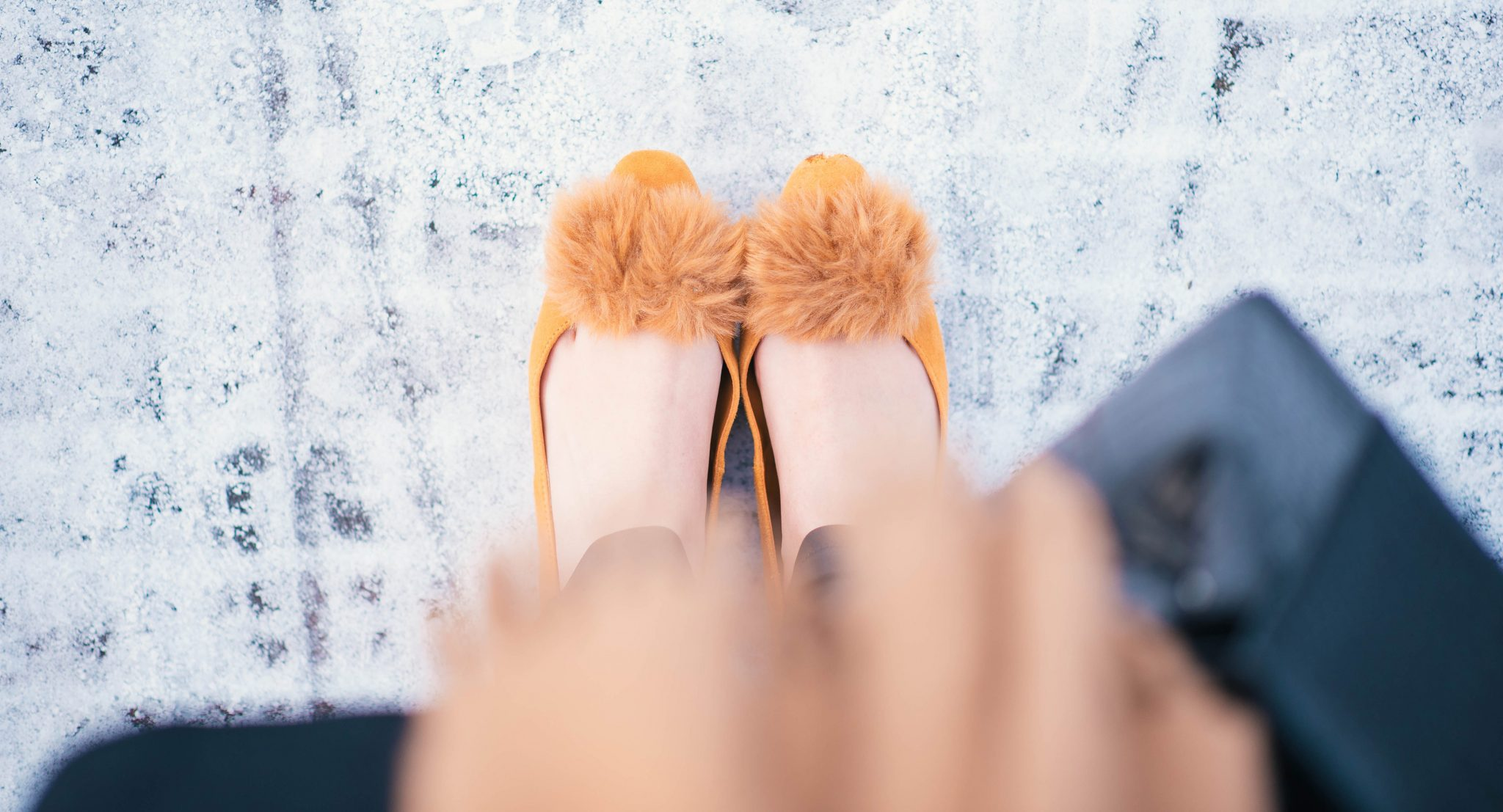 pom-pom-shoes-thepetitecat