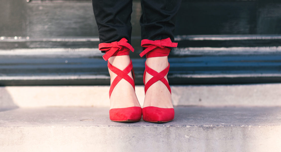 date-night-outfit-thepetitecat-sachashoes-redshoes