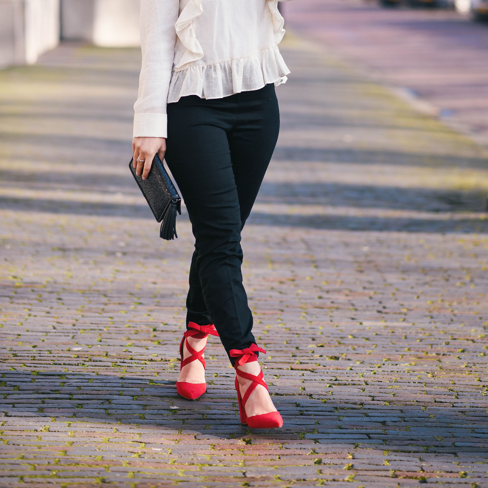 date-night-outfit-thepetitecat-sachashoes-stevemadden