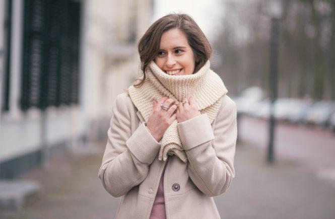 pink-beige-hand-knits-look-thepetitecat