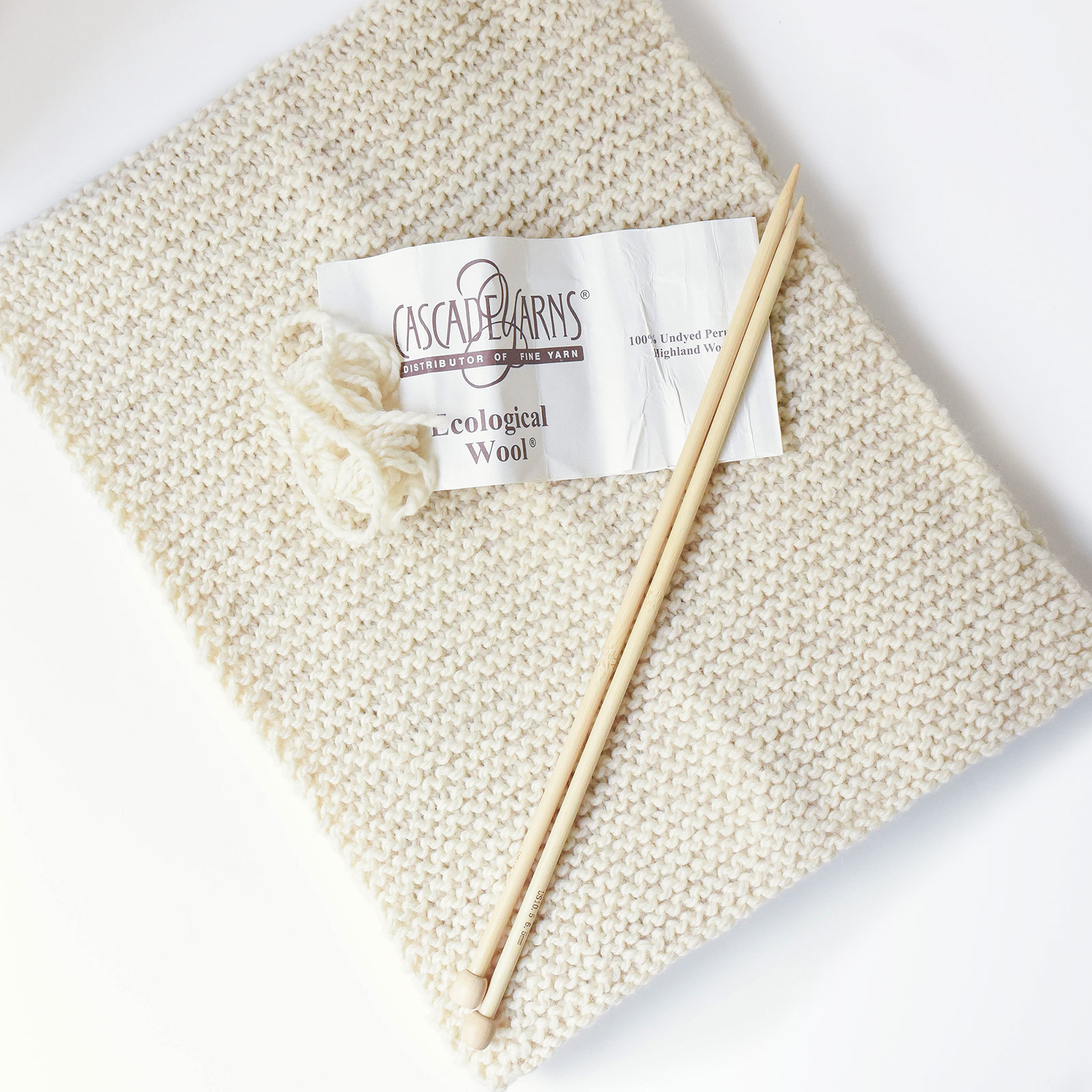 first-knit-thepetitecat