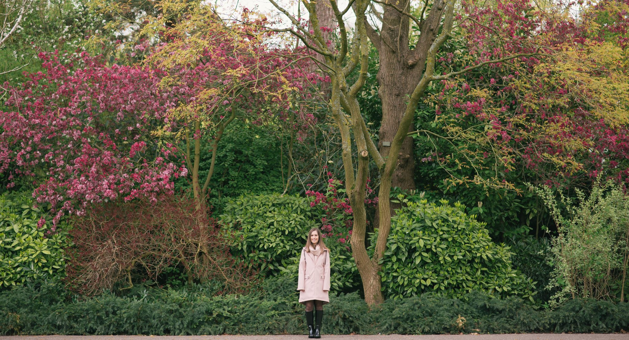 a-pink-raincoat-thepetitecat-lookbook