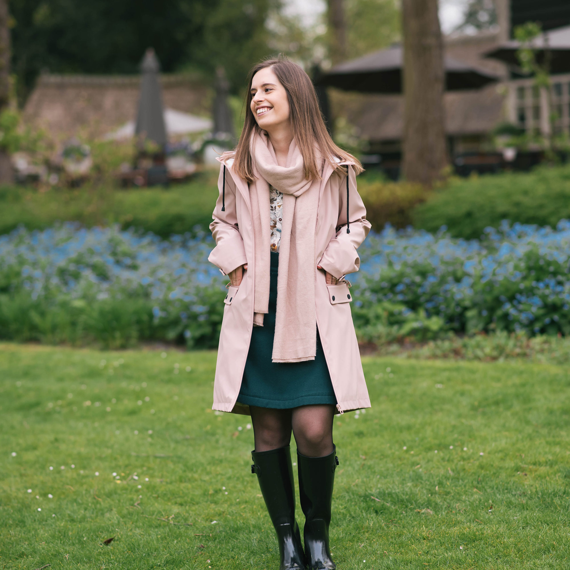 a-pink-raincoat-thepetitecat-spring-outfit