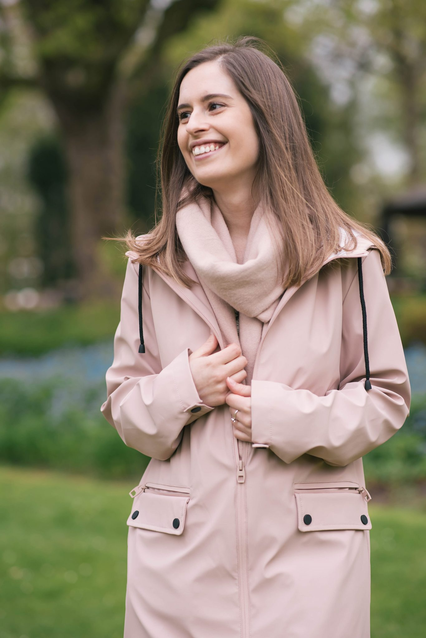 a-pink-raincoat-thepetitecat-spring-style