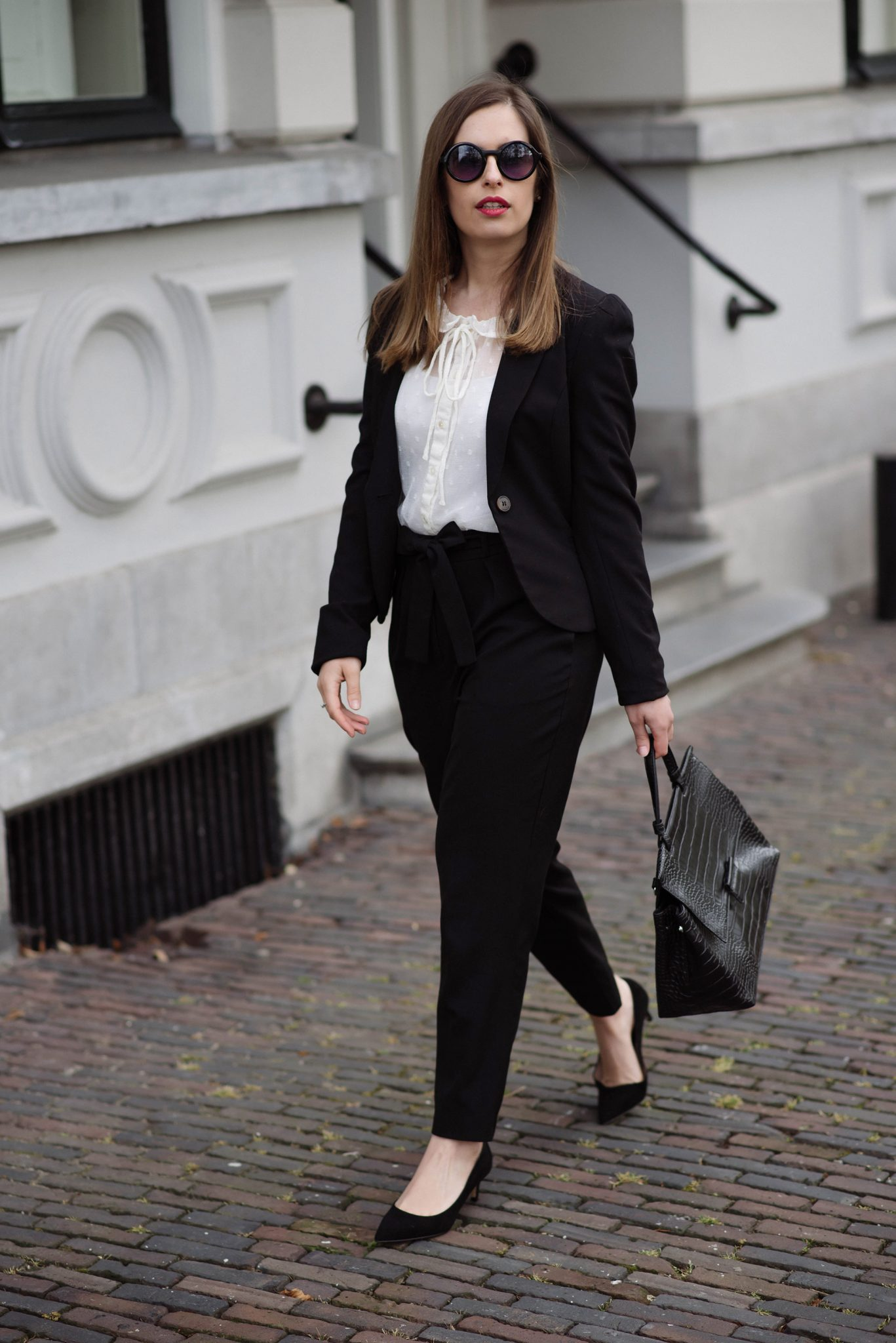 classics-office-wear-thepetitecat