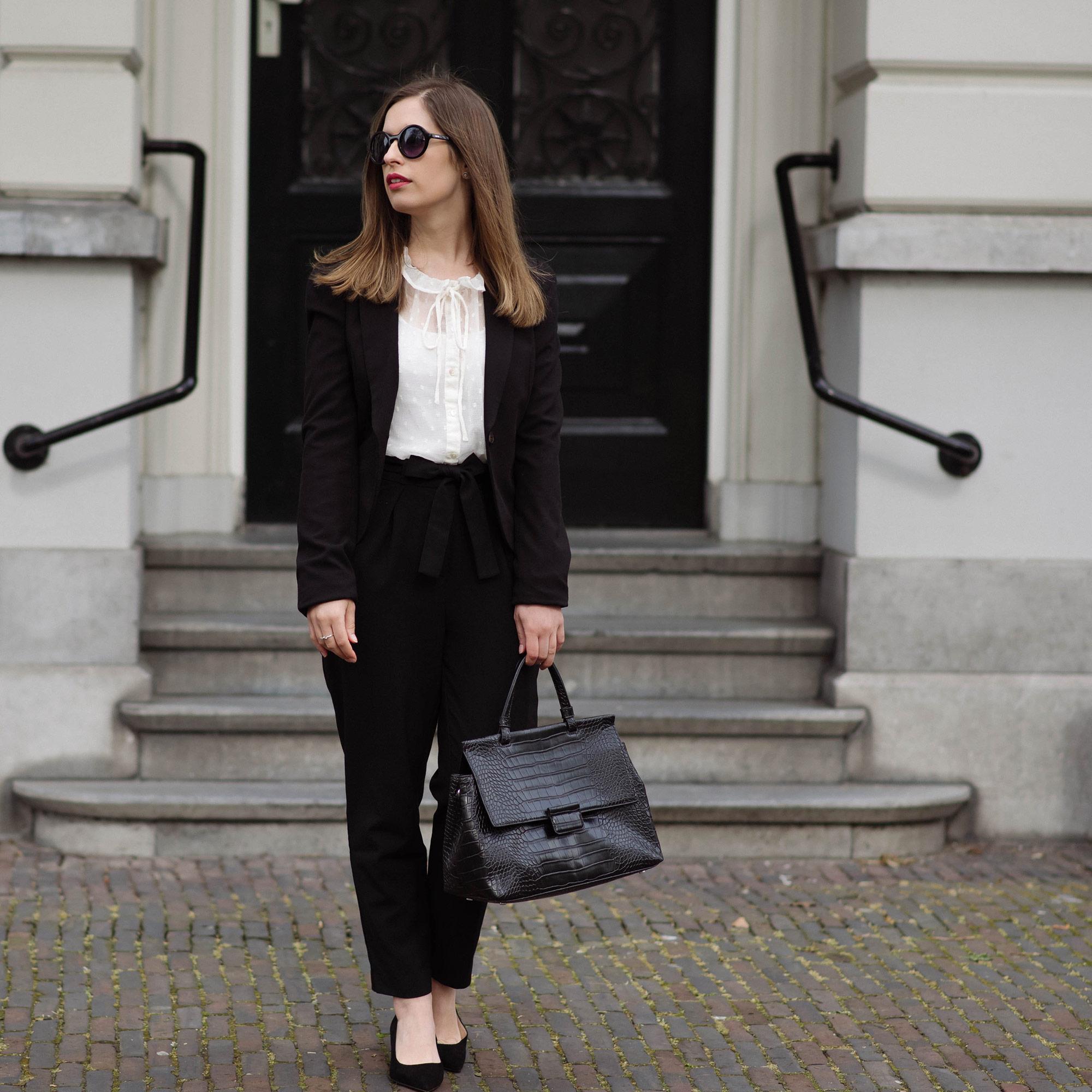 classics-suit-thepetitecat