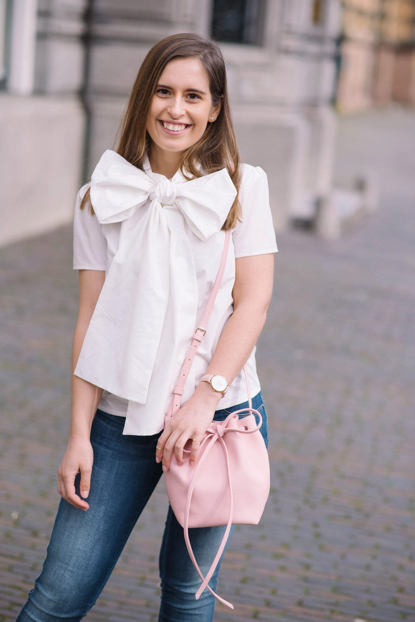 put-a-bow-on-it-thepetitecat-oversized-bow-blouse