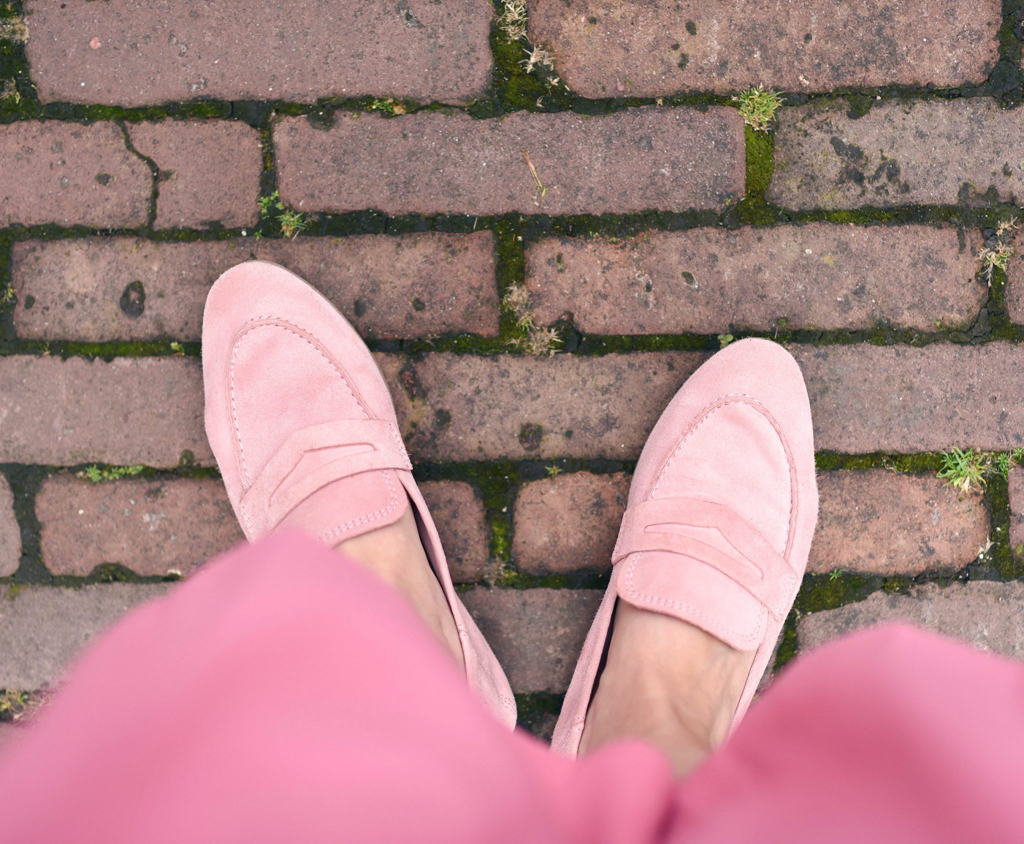 pink-loafers-trend-thepetitecat