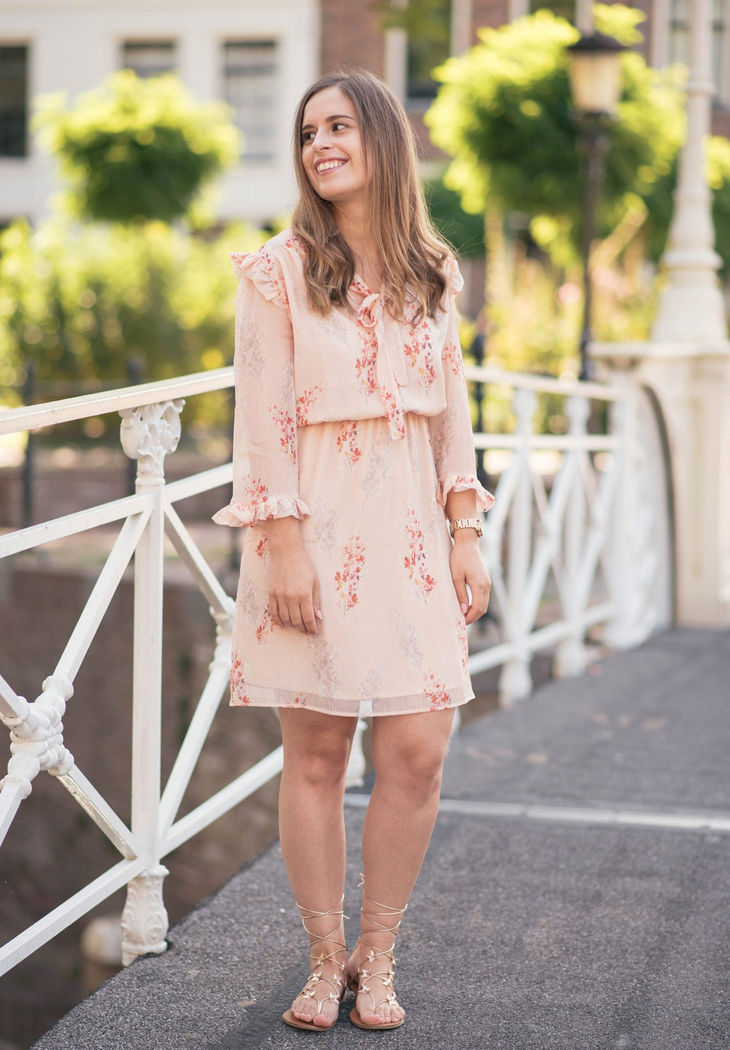 blush-floral-dress-thepetitecat-outfit
